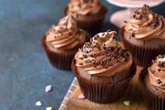 Egy finom Csokis cupcake ebédre vagy vacsorára? Csokis cupcake Receptek a Mindmegette.hu Recept gyűjteményében!