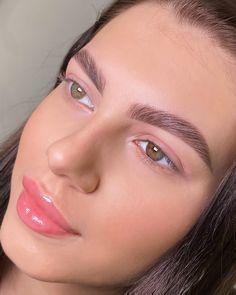 """Окрашивание / Макияж Москва on Instagram: """"Долговременная укладка бровей + окрашивание краской ❤️ работа мастера Татьяны 😍 ⠀ ⠀ ⠀ ⠀ ⠀ ⠀ ⠀ ⠀ ⠀ 🖊Запись к нам в Директ WhatsApp +7(964)…"""" Eyebrow Game, Eyebrows, Faces, Makeup, Make Up, Eye Brows, Face Makeup, Face, Maquiagem"""
