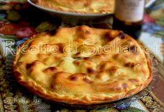 Ricette di Sicilia - http://www.ricettedisicilia.net/it/primi/scacciata-catanese-con-tuma-e-acciughe-salate/