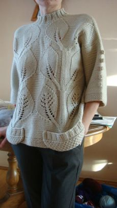 Pullover Knitted sweater with leaf pattern Knitting Pullover, Knit Cardigan, Knit Dress, Knitting Stitches, Crochet Clothes, Knitting Patterns, Sweater Patterns, Knitwear, Knit Crochet