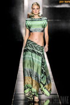 Agua de Coco - Swimwear - 2014 collection - http://en.flip-zone.com/fashion/swimwear/runway/agua-de-coco - ©PixelFormula