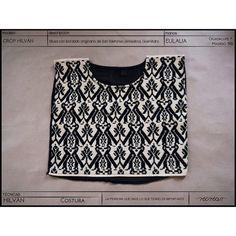 Aún pueden encontrar en nuestra tienda en línea #kichink éste #crop #hilván tejido a mano por Eulalia.  #comerciojusto #fairtrade #modaetica #eticfashion #textil #textile #textiletuesday #textildesign
