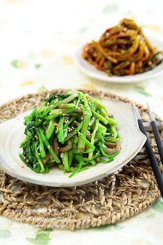 Green Beans, Korea, Vegetables, Board, Recipes, Food Food, Recipies, Vegetable Recipes, Ripped Recipes