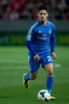 Isco controls the ball during the La Liga match between Sevilla FC and Real Madrid CF at Estadio Ramón Sánchez Pizjuán on March 26, 2014 in Seville, Spain.레드9카지노 훌라잘하는법 코리아블랙잭 레드9카지노 훌라잘하는법 코리아블랙잭 레드9카지노 훌라잘하는법 코리아블랙잭 레드9카지노 훌라잘하는법 코리아블랙잭