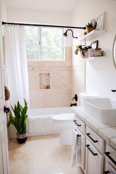 48 Easy Shower Design Ideas For Small Bathroom 12 Modern Bathroom Double Sink Vanity, Fashionable an Brown Bathroom, Small Bathroom, Bathroom Ideas, Bathroom Vanities, Bathroom Styling, Cozy Bathroom, Ikea Bathroom, Bathroom Inspiration, Modern Bathroom