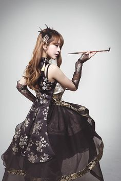 By cosplayer yurisa♡ Gothic Lolita Fashion, Steampunk Fashion, Traditional Fashion, Traditional Dresses, Korean Traditional, Modern Hanbok, Oriental Fashion, Little Doll, Mori Girl
