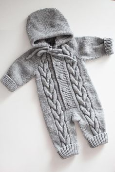 Newborn boy costume – gray overalls – knitting for newborns – knitted baby clothes outfits – props n Neugeborenes Jungenkostüm. Newborn boy costume – gray overalls – knitting for newborns – knitted baby. Knitted Baby Outfits, Knitted Baby Clothes, Baby Outfits Newborn, Baby Boy Outfits, Boy Newborn, Costume Garçon, Costume Gris, Boy Costumes, Baby Knitting Patterns
