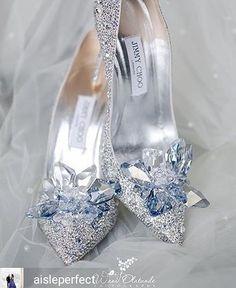 ��Oh hello gorgeous @aisleperfect -  Channel Cinderella in the most #aisleperfect wedding shoes ever. . ��@waniolatundephotog . . . #wedding #wiw #love #married #ootd  #weddingplanning #weddingideas #weddinginspiration #bridetobe #fashionblogger #sayyestothedress #bridalfashion #weddingfashion #bridesmaiddresses #weddingseason #weddinggown #weddingdresses #bridesmaids #fashion #style #beauty #cinderella #shoesdaytuesday http://gelinshop.com/ipost/1526314545080222858/?code=BUujv3zBMSK