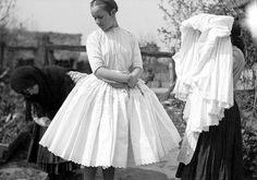 ... Traditional Fashion, Traditional Outfits, Folk Costume, Costumes, Folk Dance, Image Collection, Dress To Impress, Vintage Photos, Retro Fashion