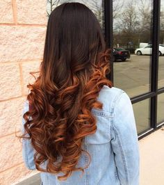 23 Balayage Long Curly Hair Color, Ombre Copper Brown Balayage Warm Trendy Ring - All For New Hairstyles Ombre Hair Color, Hair Color Balayage, Brown Hair Colors, Hair Color Copper Brown, Brown Hair With Copper Highlights, Copper Hair Colors, Colored Curly Hair, Long Curly Hair, Curly Hair Styles