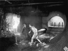 Inondation de la ville basse : Freder et Josaphat (Theodor Loos) cherchent une issue