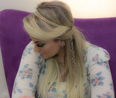 Minha gente! Quem me assistiu no programa É de CasadaRede Globo, no último sábado, viu que eu fiz um tipo de penteado que todo mundo comentou. Agora, mostro um vídeo com outros 3 modelinhos bem fáceis de fazer. Confiram aqui. Penteado 1: Penteado 2: Penteado 3:
