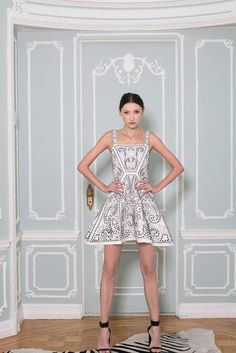 Alice + Olivia Spring 2015 Ready-to-Wear - Collection - Gallery - Look 1 - Style.com