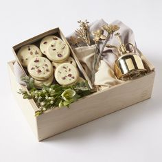 Mother's Day Garden Bloom Gift Box