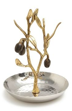 #Gold olive branch ring catch http://rstyle.me/n/gke2mr9te