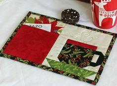 Christmas Pocket Mug Rug | Craftsy