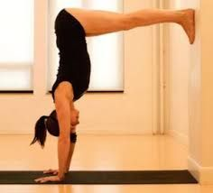 16.06.14: Hot Vinyasa Yoga, Headstand exercices.