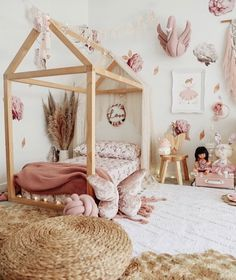 How To Design A Montessori Bedroom With Image Montessoribedroom Sensory Montessori Montessori Diy Baby Room Decor Toddler Bedroom Girl Girl Room Inspiration