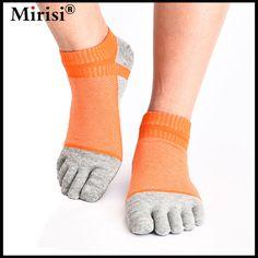 Hot selling high end big mesh breathable design five finger socks happy toe socks