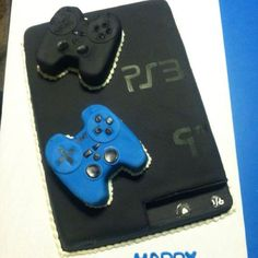 PS3 Themed Cake.