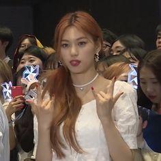 Oh My Girl Yooa, Sana Momo, Kim Doyeon, Red Velvet Joy, Got7 Jackson, Jaehyun Nct, Blackpink Jennie, Mamamoo, Chanyeol