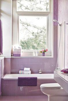 bano-lila-ventana