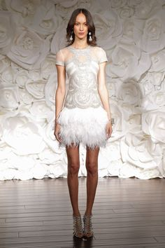 Pin for Later: Best Of: Les Plus Belles Robes de Mariée de la Bridal Fashion Week 2015 Naeem Khan Bridal Automne 2015