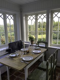 Outdoor Spaces, Indoor Outdoor, Swedish Farmhouse, Porches, White Cottage, My Dream Home, Interior Inspiration, Table Settings, Villa