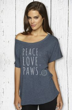 We dig these tees! Introducing Peace. Love. Paws. -- an apparel and gift company for dog lovers! http://www.citydogmagazine.com/blog/