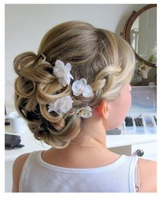 Short Wedding Hair With Flower   Wedding Hair - Updos - Channel4 - 4Beauty