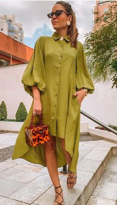 Simple Dresses, Casual Dresses, Short Dresses, African Print Fashion, African Fashion Dresses, Stylish Tops For Women, Chic Outfits, Fashion Outfits, Minimalist Fashion Women