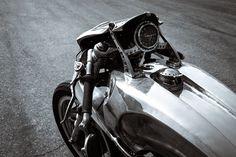 RocketGarage Cafe Racer: Adrenocromo