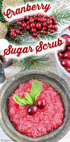 Cranberry Sugar Body Scrub with Mint Cranberry Sugar Scrub Recipe - Easy DIY Christmas gift Body Scrub Recipe, Sugar Scrub Recipe, Diy Body Scrub, Diy Scrub, Christmas Treats For Gifts, Christmas Diy, Christmas Shopping, Baking Soda Scrub, Sugar Scrub Homemade