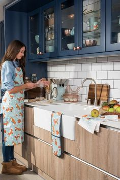 Boasting contrasting orange and duck-egg blue tones, this cotton double oven glove is perfect for adding a splash of colour to your kitchen. This product is machine washable. Co-ordinating products are available for purchase. Chalk Paint Colors, White Chalk Paint, Chalk Paint Furniture, Furniture Design, Duck Egg Blue Furniture, Colorful Dresser, Kitchen Shop, Oven Glove, Furniture Makeover