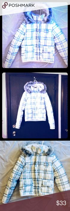 AEROPOSTALE WINTER PUFFER JACKET HOOD -Medium ❄️Like new women's ❄️size medium ❄️winter jacket/coat ❄️front zipper and snap closure. ❄️This gem is white/cream with 💙aqua blue, 💗pink, and 💚green plaid print. Beautiful hood with perfect gray faux fur trim. Double pockets on the front with snap closure. Secret inside pocket. Lightweight and very warm. I wore this just one time. I love this coat but I got a new one for Christmas💚 No visible signs of wear I can see Aeropostale Jackets & Coats…