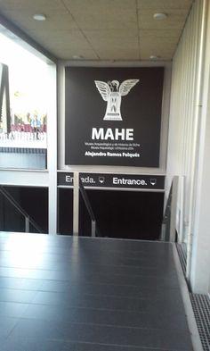 Entrada al MAHE - Museo de Arqueología e Historia de Elche.