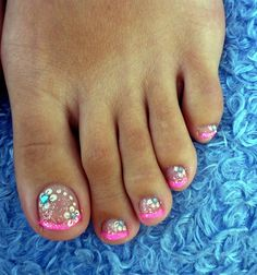 Pedicure Nail Art Gallery Pink French Pedicure Nail Art Gallery I want my toes to look like this Cute Toe Nails, Fancy Nails, Diy Nails, Pedicure Nail Art, Toe Nail Art, Pedicure Ideas, Pedicure Summer, Glitter Pedicure, Pink Pedicure