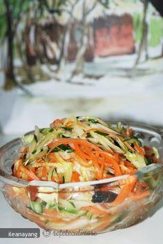Salată cu trei feluri de legume (Ban sansi) Best Salad Recipes, Raw Food Recipes, Vegetarian Recipes, Cooking Recipes, Healthy Recipes, Good Food, Yummy Food, Romanian Food, Food Obsession