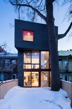 This week for Beautiful Houses, we decided to showcase a beautiful house in Montreal, QC of Canada.