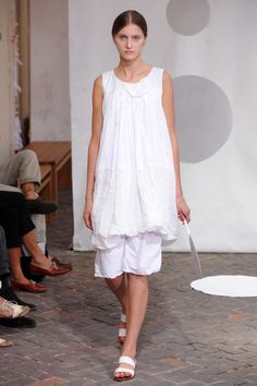 View photos of the Daniela Gregis Spring 2014 Ready-to-Wear Collection.