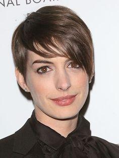 Anne Hathaway: Pixie Cut