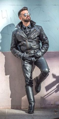 Biker Leather, Leather Harness, Leather Blazer, Leather Gloves, Leather Men, Most Popular Artists, Straight Guys, Guy Pictures, Men's Collection