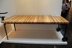 Pallet wood moveable table