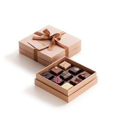 Innovative Chocolate Packaging Design Trends 2019 – Design is art Luxury Chocolate, Chocolate Brands, Organic Chocolate, Chocolate Shop, Chocolate Gifts, Chocolate Lovers, Chocolate Wrapping, Chocolate Packaging Design, Food Packaging Design