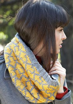 Patons Canadiana - Let's Go! Cowl (free knitting pattern)