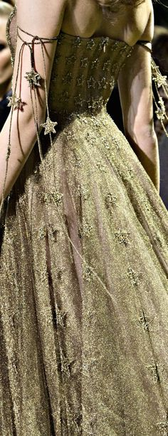 Like the sleeve bits of string of stars   Dior Couture 2017 Crème de la Crème