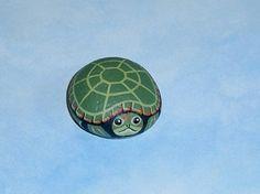 Ajuste tortuga, decoración del jardín de primavera, de la mano las rocas pintadas de Rockartiste en Etsy