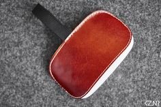 Leather Apple Magic Mouse Case Hand-made Chestnut Brown Leather Hand Wax, Apple Magic, Magic Mouse, How To Make Light, Stitching Leather, Vegetable Tanned Leather, Cow Leather, Swatch, Chocolate Brown