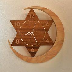 wooden clock and hemp rope. Clock Art, Diy Clock, Clock Decor, Clock Ideas, White Wall Clocks, Wall Clock Wooden, Homemade Wall Art, Kitchen Wall Clocks, Cool Clocks