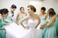 http://lapisdenoiva.com/casamento-na-igreja-fernanda-e-vinicius/  Foto: Nane
